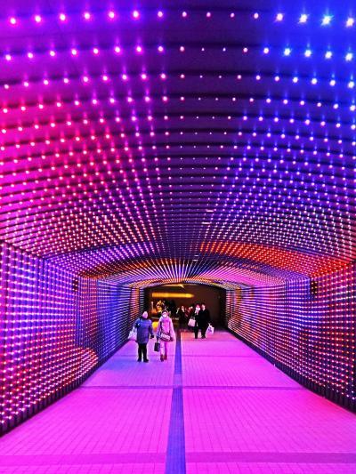 東京 MEGA イルミ-2   タイム-トラベル-ゾーンへ ☆闇-光・時空を超える地下通路で