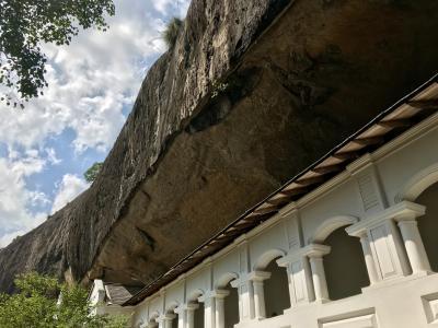 初スリランカ10日目。ダンブッラの世界遺産「石窟寺院」