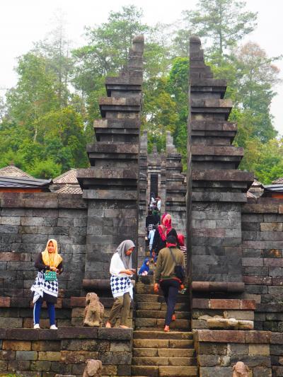2018インドネシア旅行 チュト&スクー寺院