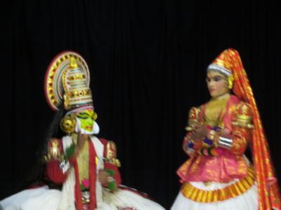 インド 「行った所・見た所」 コーチでカタカリダンスショー鑑賞宿泊はアバットプラザホテル