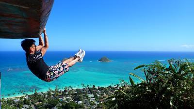 ラニカイピルボックスの絶景 in ハワイ オアフ島 30分かけて登る値打ちあり!風が最高に気持ち良かったです。