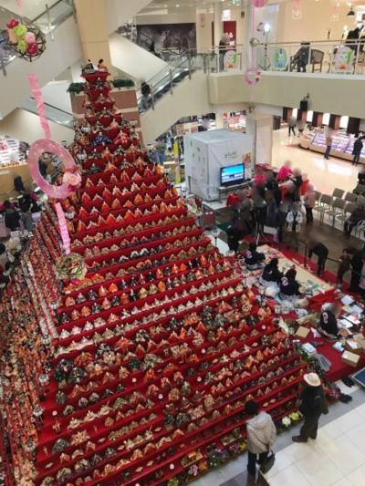 埼玉・鴻巣のびっくりひな祭り2019①~巨大なピラミッド状のひな壇やインスタ映えしそうなひな飾り~