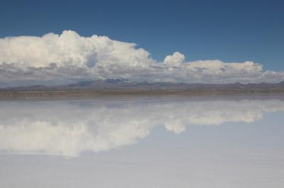 ツアーでボリビアのウユニ塩湖へ