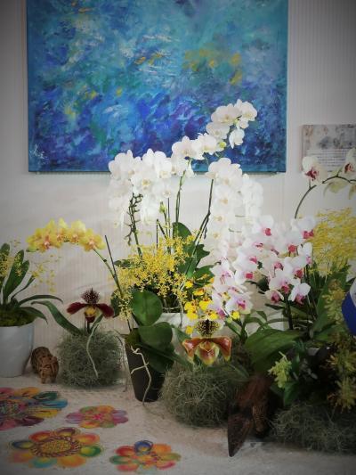 世界らん展11 大使/大使夫人のテーブル-ディスプレイ ☆お国柄反映したランの装飾
