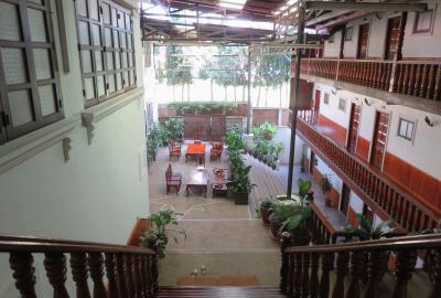 2019早春、ベトナムとラオスの旅(5/28):2月13日(2):ルアンパバーン(2):ルアンパバーンのホテル、世界遺産の街散策、市場