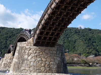 「錦帯橋」上から見るか下から見るか・岩国城侵攻