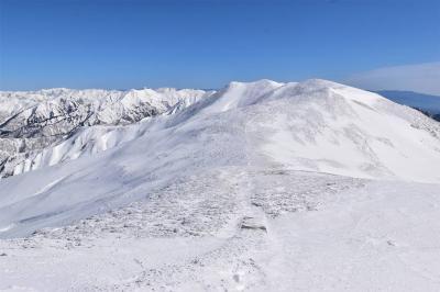 冬の平標山~仙ノ倉山 公共交通利用で行く雪山登山