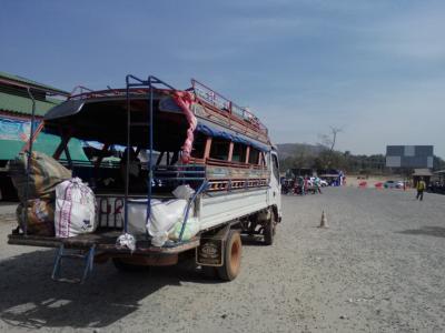 ウボンラチャタニー(タイ)→チャムパサック(ラオス)…ソンテウ乗り継いでのんびり国境越え
