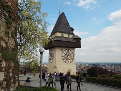 2017GW オーストリアとポーランド旅(その2)グラーツ街歩き(聖堂、シュロスベルク、二重螺旋階段、Hilmteichという公園など)