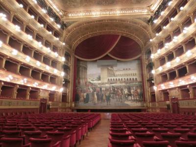 シチリア再訪一人旅 4 パレルモ街歩き カーニバルの街でオペラを