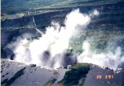 世界三大瀑布の一つ、ビクトリアの滝