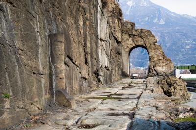 チンクエテッレとアオスタ~北イタリアの海と山の絶景巡り 【9】イタリアとガリアを結ぶアオスタ・バレーのローマ遺跡三昧(2018/3/9)