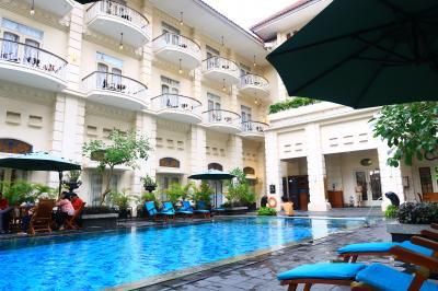 1歳4か月の娘と旧正月インドネシア14★午後はのんびり お部屋移動とプール ~Plaza Ambarrukmo・Solaria・The Phoenix Hotel Yogyakarta・Madam Tan Indonesian Food~