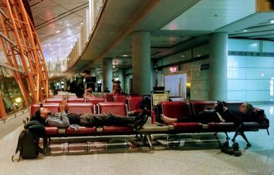 国際空港 に  泊まって  みましょう  ( ムカつく 北京の 白タクシー を 撃退しましょう。)  .....................   2019