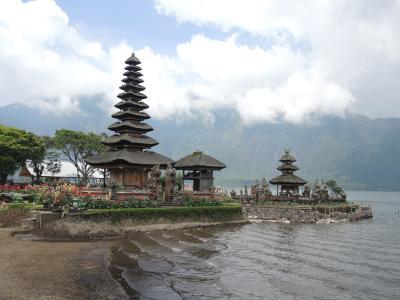 インドネシア バリ島2018・・・(12)湖上に浮かぶ「ウルン・ダヌ・ブラタン寺院」 驚きのジャックフルーツ(完)