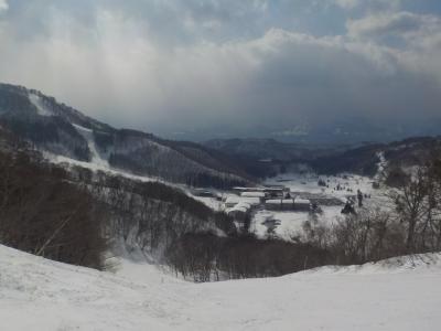恒例の斑尾でスキー その3 午後は好天に恵まれたタングラム斑尾スキー場でスキーを堪能。