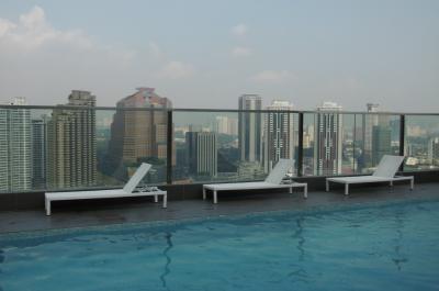 ヒルトンガーデインクアラルンプール・サウス:コスパに優れたヒルトン系ホテル、屋上のプールとカフェ・バーが素晴らしい!