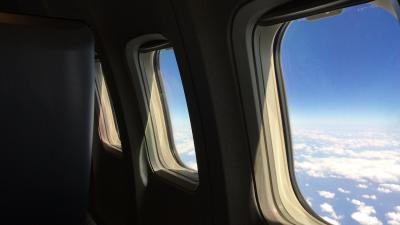 飛行機の窓から見える景色で座席を指定するー富士山静岡空港出発・ANA那覇便