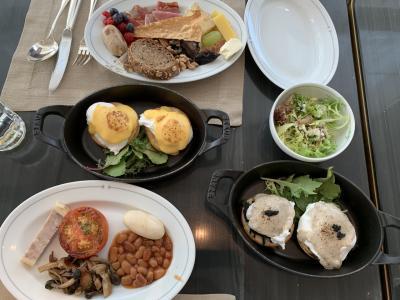 ヒルトンの最上級ホテルで豪華な朝食