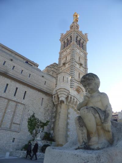 4歳娘を連れて年末年始南フランス11日間の旅6-青空映える港町マルセイユ