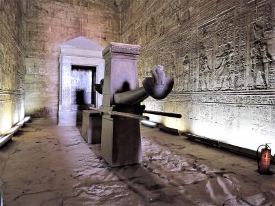 古代エジプト人に畏怖の念=神秘のエジプト・ナイル川クルーズ10日間 13(エドフ・ホルス神殿)