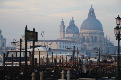 歩けば歩くほど楽しい街ヴェネツィアでの年末年始④(早起きは三文の徳?誰もいないヴェネツィアを満喫しよう!(カウントダウンにも参加しました…))