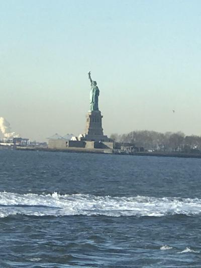 初めてのニューヨーク4泊6日 ~その5(最終回)~ ホーボーケン駅からフェリーに乗り、自由の女神を眺める~