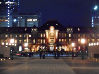 2019年 3月下旬 夜の東京駅丸の内口付近