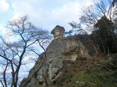 大谷寺 (天狗の投石)