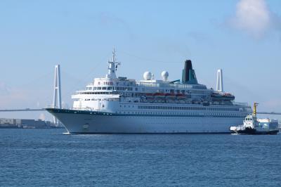 客船アルバトロスが名古屋港に初入港。加藤清正丸に乗って撮り船と中川運河遊覧