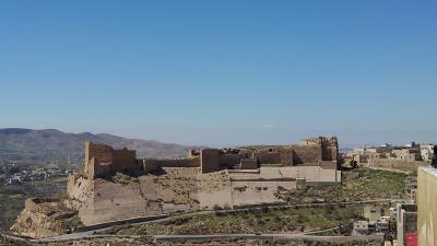砂漠の遺跡と死海、ヨルダン紀行:その1 出発からペトラ遺跡到着まで
