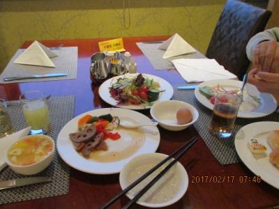 江南周遊(21)無錫、君楽ホテルでの朝食。