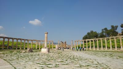 砂漠の遺跡と死海、ヨルダン紀行:その5 ウム・カイス遺跡、ジェラシ遺跡