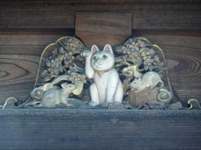 世田谷線沿線散歩 (招き猫だけの豪徳寺)