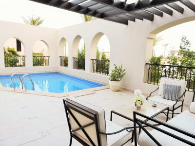 エジプトの最新リゾートホテル <解決>訳ありで部屋をお引越し  UAE&エジプト5
