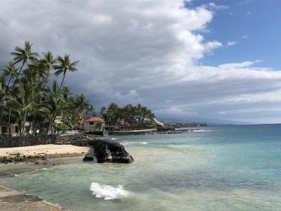 ハワイ旅 4日目 ケアウホウ・リゾート・トロリーで海辺散策