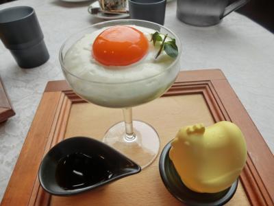山手西洋館 「しょうゆきゃふぇの生プリン」とエリスマン邸のひな祭り装飾