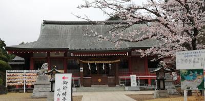 千勝神社と桜