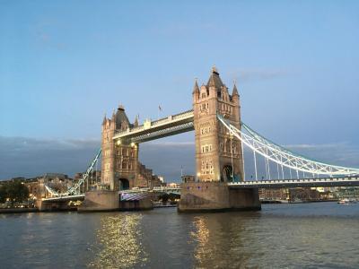 イギリス(1)ビールとアートで意外にも/ロンドン