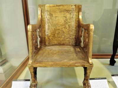 古代エジプト人に畏怖の念=神秘のエジプト・ナイル川クルーズ10日間 番外編(エジプト考古学博物館 椅子と箱のコレクション)