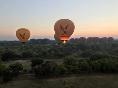 ミャンマー バガンの気球は最高!高いけど・・・(笑)