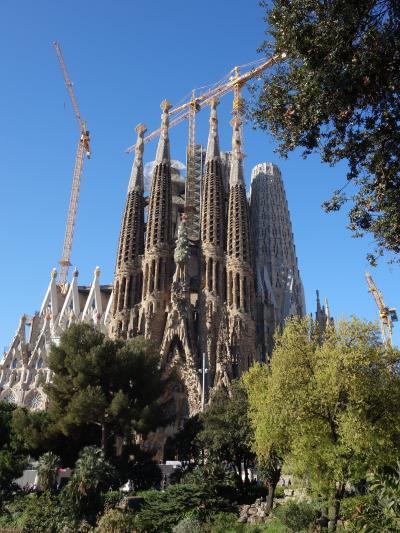 バルセロナを歩く (1.1) まずメトロに乗って,サグラダ・ファミリアへ行きましょう。