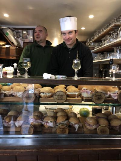 カーニバルのベネチアへ④バカーロ・スーパー・教会&カフェ~グリッティパレスへ
