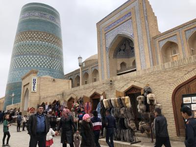 ウズベキスタンをひとまわり、最初はヒヴァから。