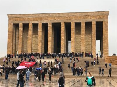 トルコの首都 アンカラ アタテュルク廟やアナトリア博物館など