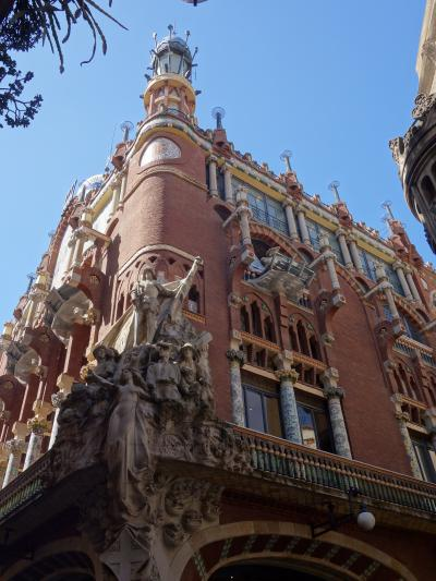 バルセロナを歩く (1.9) カタルーニャ音楽堂を見に行く。モンタネールの作品です。
