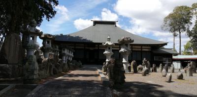 かすみがうら市の長興寺の石像