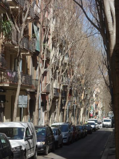 バルセロナを歩く (2.5) モンジュイックの丘からMargarit 通りを下り、Blai通りに出る。