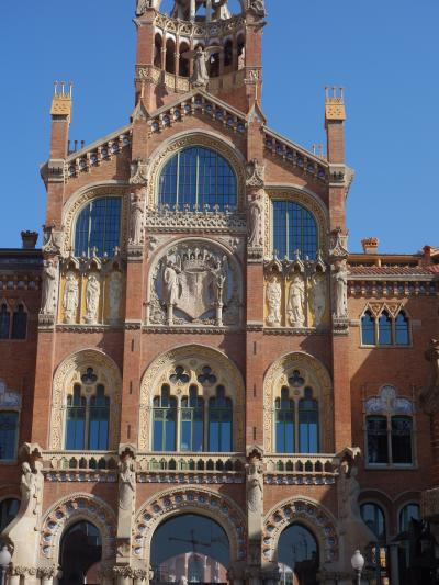 バルセロナを歩く (3.3) サン・パウ病院(モンタネール設計)の建築のすばらしさ。感動的です。