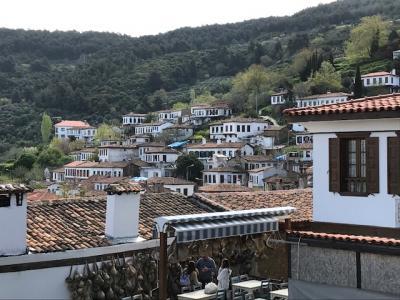 エフェス遺跡の近くの シリンジェ村とセルチュク